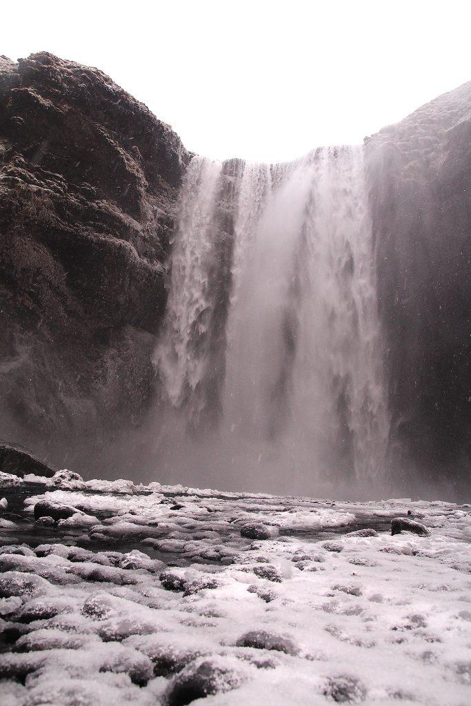 incontournables-islande-skogafoss