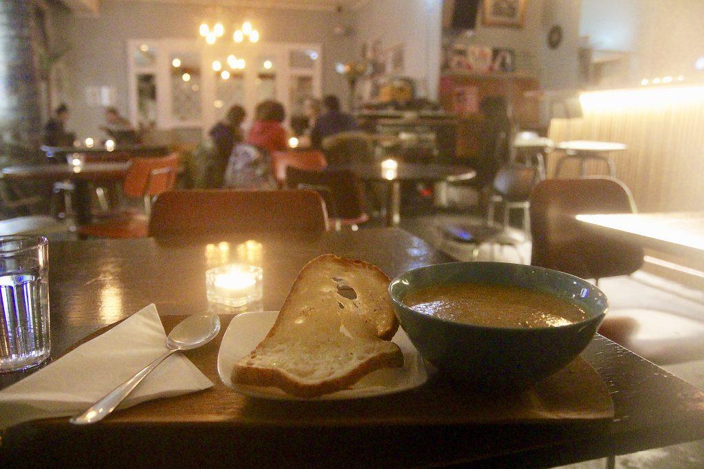 restaurants-reykjavik-vynil-cafe