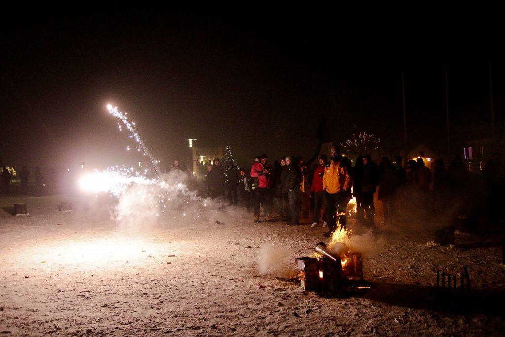 incontournables-islande-reykjavik-feu-artifice