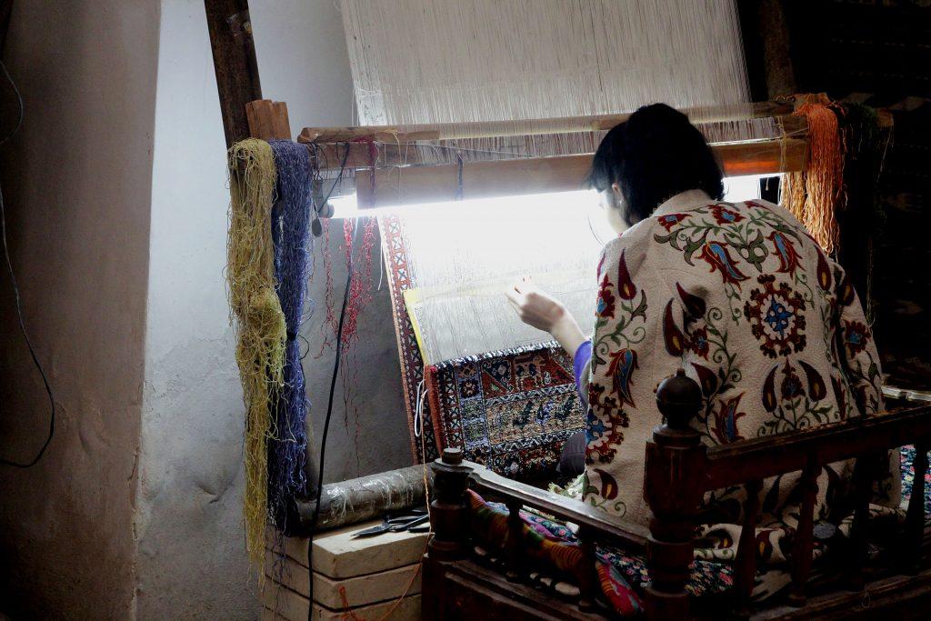 ouzbékistan_fabrique_tapisserie