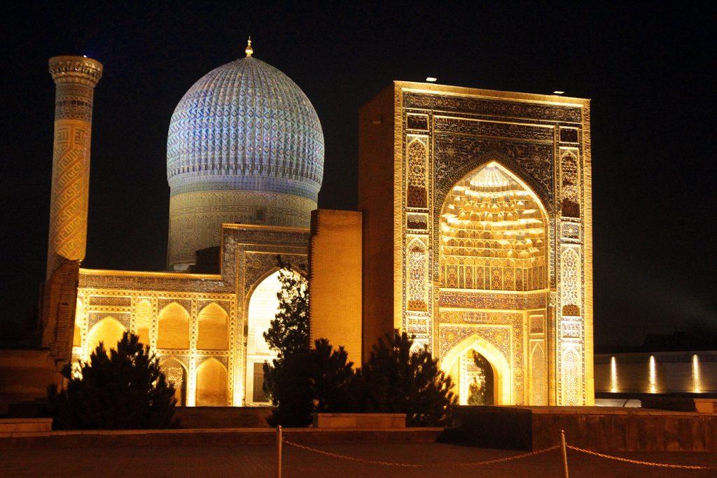 ouzbékistan_mosquée_nuit
