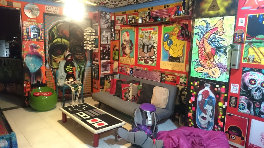 couchsurfing_graffiti