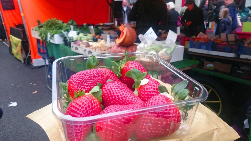 food market-portobello market-fraises